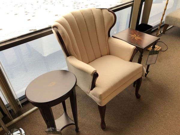 Picture of QUEEN ANNE CHAIR