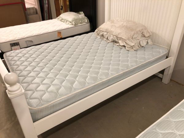 Picture of MARSHALL FIRM FULL SIZE MATTRESS (QE2885-A)
