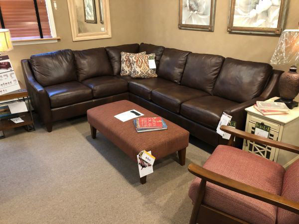 Picture of BELTON LEATHER SECTIONAL