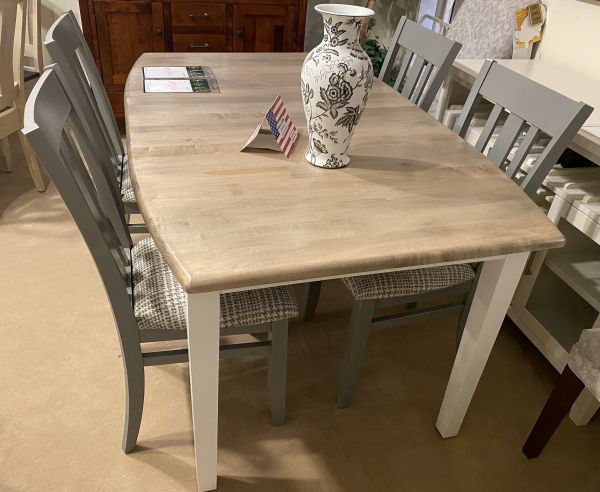 Picture of SHAKER SOLID LEG TABLE